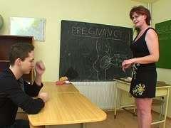 Lehrerin fickt schüler alte Schüler fickt